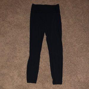 Lulu lemon black leggings! Size 8! Good condition!